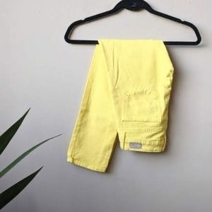 Paige Roxie Capri Cropped Jeans in Yellow size 24
